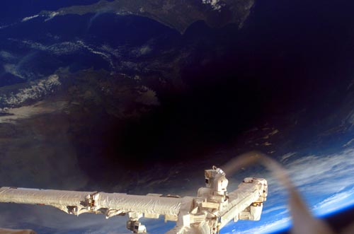 iss-eclipse-2006.jpg
